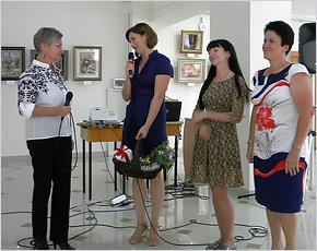 «Иглой рисую красоту»: в Новозыбкове работает выставка вышивки Людмилы Джуренко