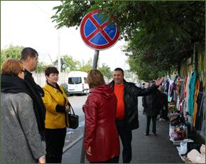Власти Брянска объявили войну стихийной торговле у Центрального рынка