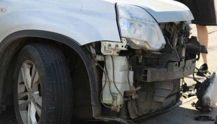 ВБрянске парень на«Рено» врезался вавтоледи наэлитной иномарке