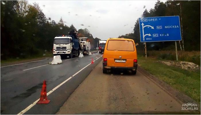 Ремонт орловской трассы парализовал движение на выезде из Брянска