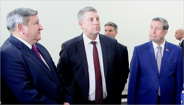 Губернатор Заполярья— на45 месте медиарейтинга глав регионов по РФ