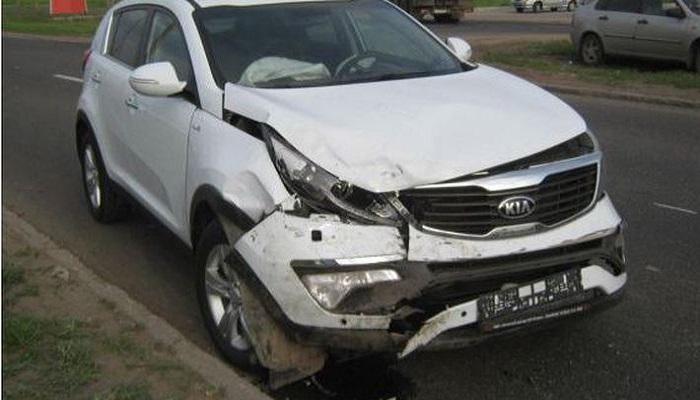 В Клинцовском районе столкнулись два автомобиля, погиб 35-летний мужчина