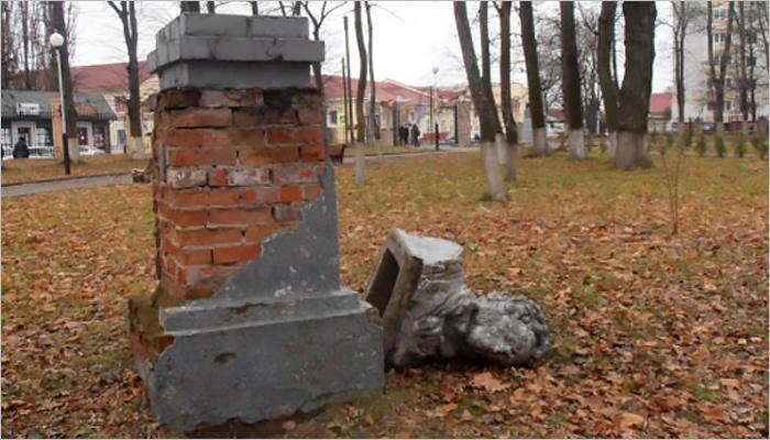 Некомфортная среда: в Брянской области начался памятникопад