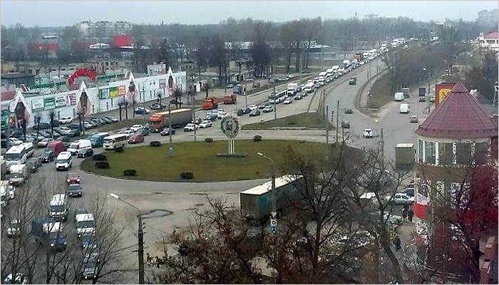 Бежицкий район Брянска парализовала автомобильная пробка