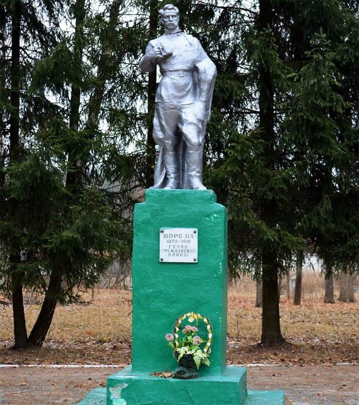 В Злынке с апреля начнётся работа над новым памятником Щорсу