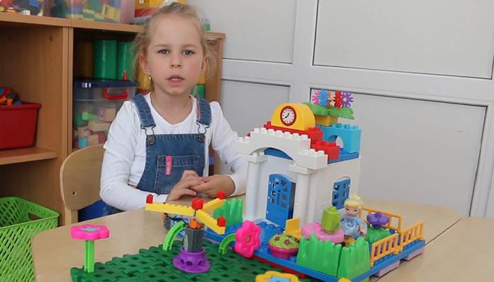 Девочка изБрянска удивила навсероссийском конкурсе робототехники