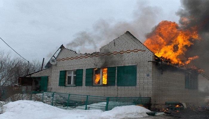 Наулице Зелёной вКлинцах горел дом: умер мужчина