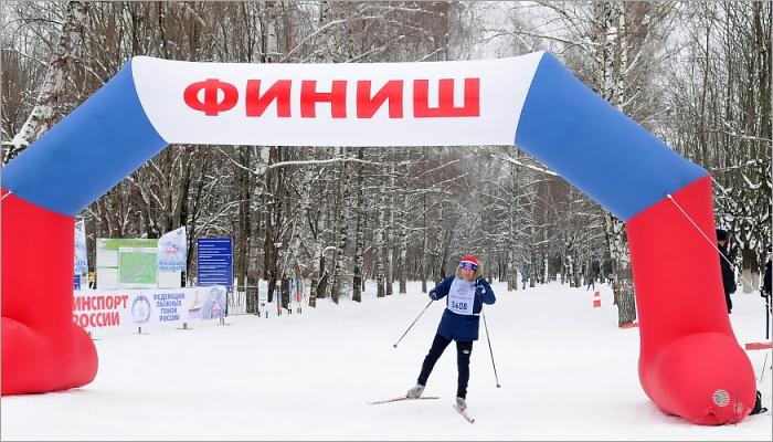 Александр Богомаз пробежал «Лыжню России-2018», уступив олимпийской чемпионке