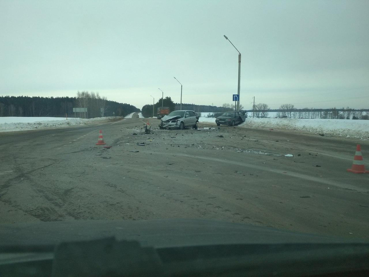 На брасовском повороте с «Украины» иномарка устроила тройное ДТП