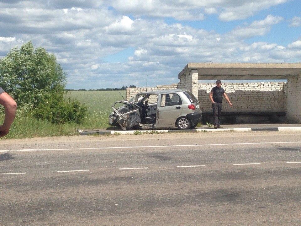 Врачи борются за жизнь водителя после лобового столкновения в Новозыбкове