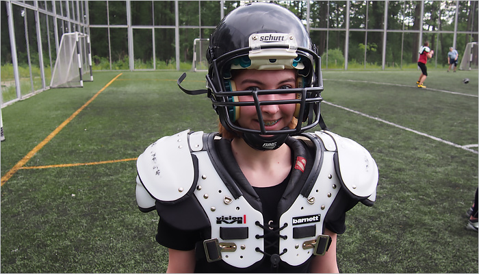 Американский футболе в Брянске: …и одна девушка