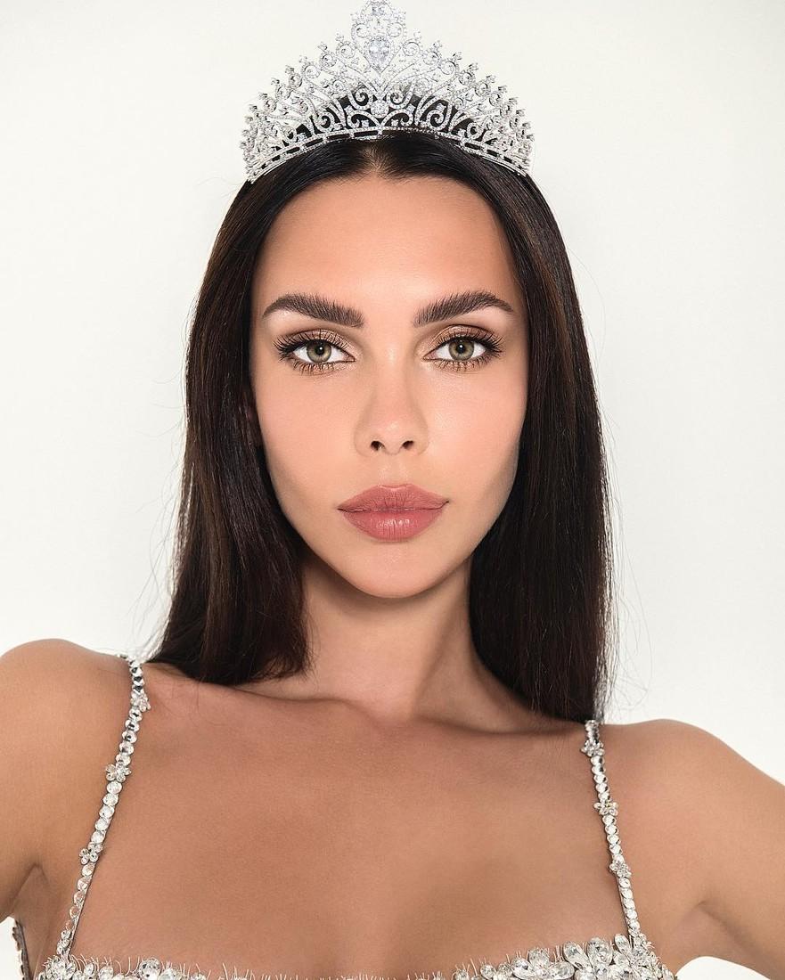 Брянская модель вошла в десятку самых красивых женщин России