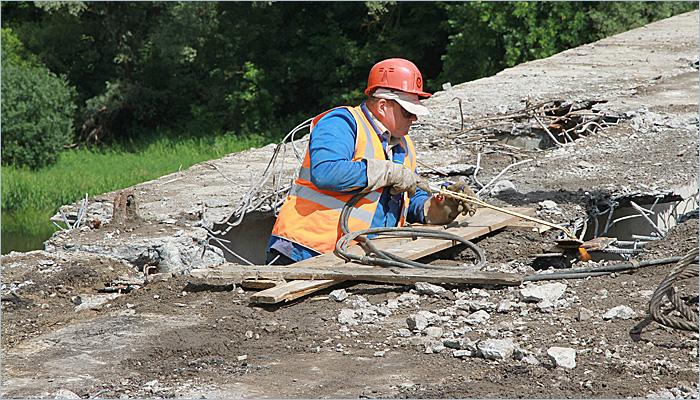 Демонтаж Первомайского моста вступил в основную фазу