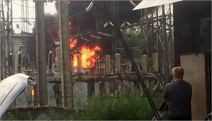 Пожарные сообщают о ликвидации горения на подстанции «Сталелитейная»