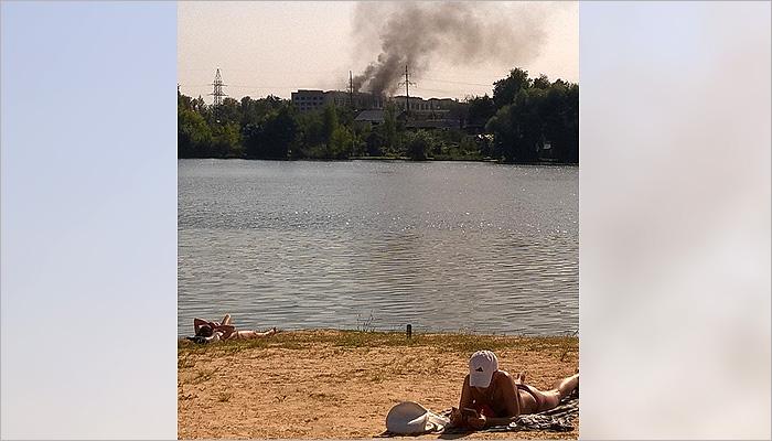 В Клинцах в воскресенье горел бывший радиозавод