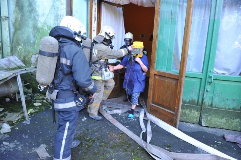 Условный пожар в ДК БМЗ  ликвидировали 42 спасателя