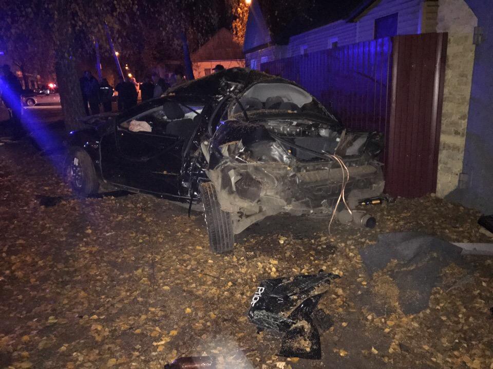 В ДТП на улице Менжинского погибли молодые женщина и мужчина. Ещё четверо получили ранения