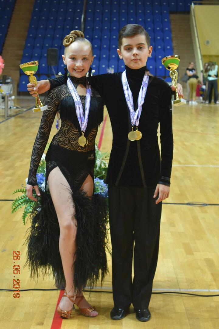 Две брянские пары вернулись победителями с танцевального первенства России