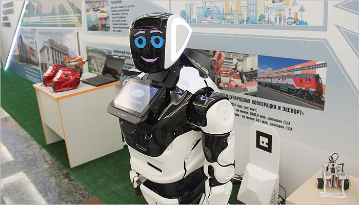 Губернатор Богомаз и робот из «Аэро Парка» рассказали в Госдуме о Брянской области