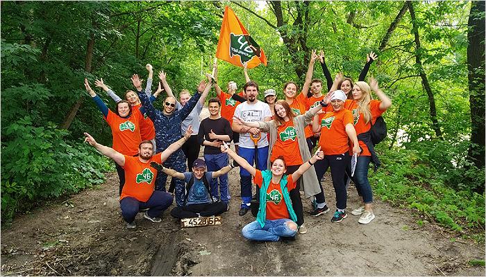 Брянские волонтёры прибрали за отдыхающими на берегах озера Чертовица