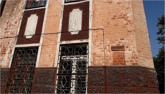 Началось благоустройство территории вокруг будущего музея Бежицы. Дело за зданием