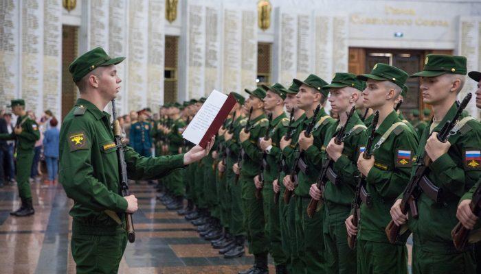 Брянские призывники стали новобранцами Преображенского и Семёновского полков