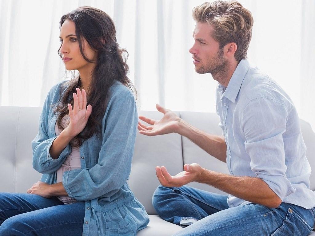 Семья на стороне: как мужчины обманывают жен и любовниц