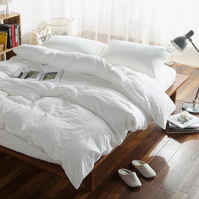Погодите заправлять кровать с утра пораньше: почему не стоит этого делать?