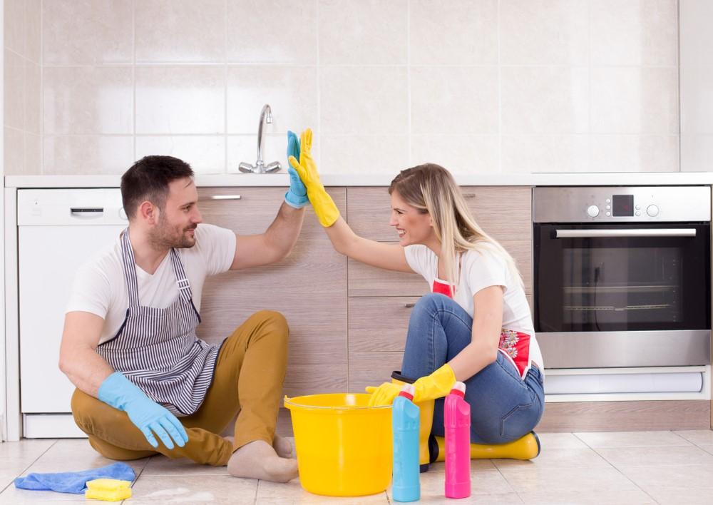 Как заставить супруга помогать по дому?