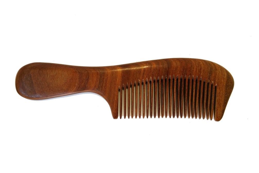 Как правильно подобрать расческу для волос?