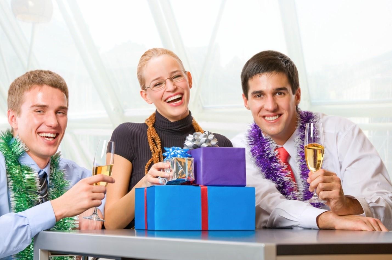 Идеи подарков коллегам на Новый 2020 год