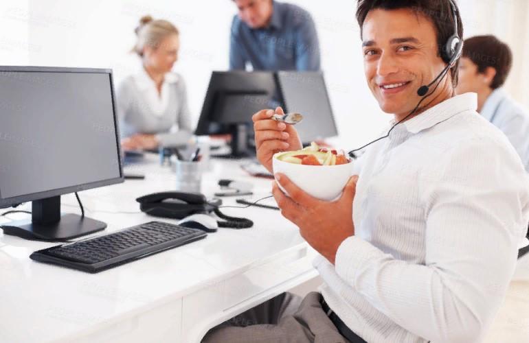 Как правильно питаться в офисе, чтобы не набирать лишнего веса?