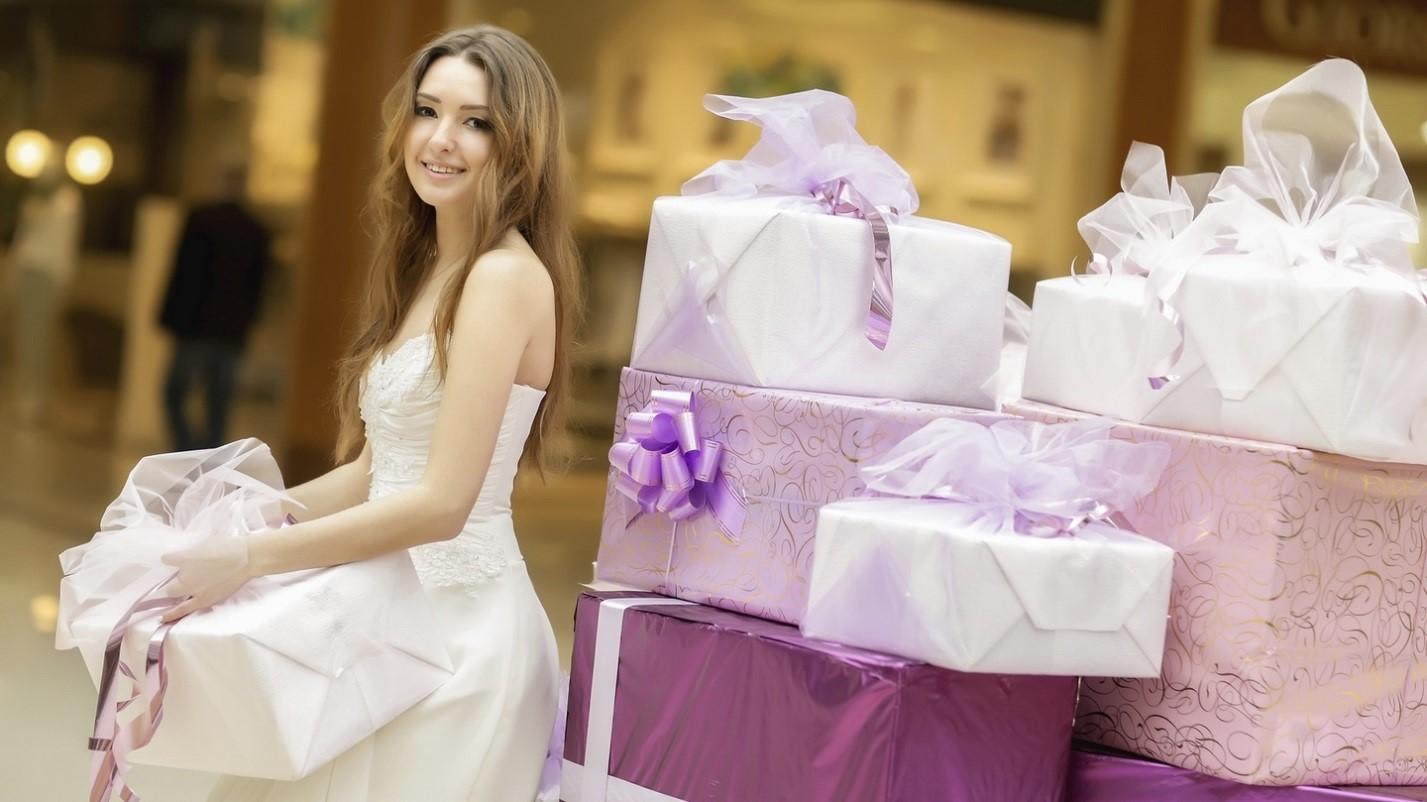 Идеи неординарных и забавных свадебных подарков