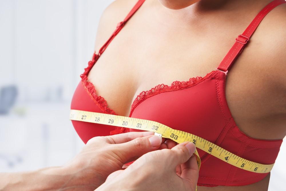 Как увеличить грудь при помощи домашнего массажа?