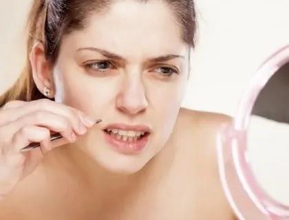 Секреты устранения усиков у женщины
