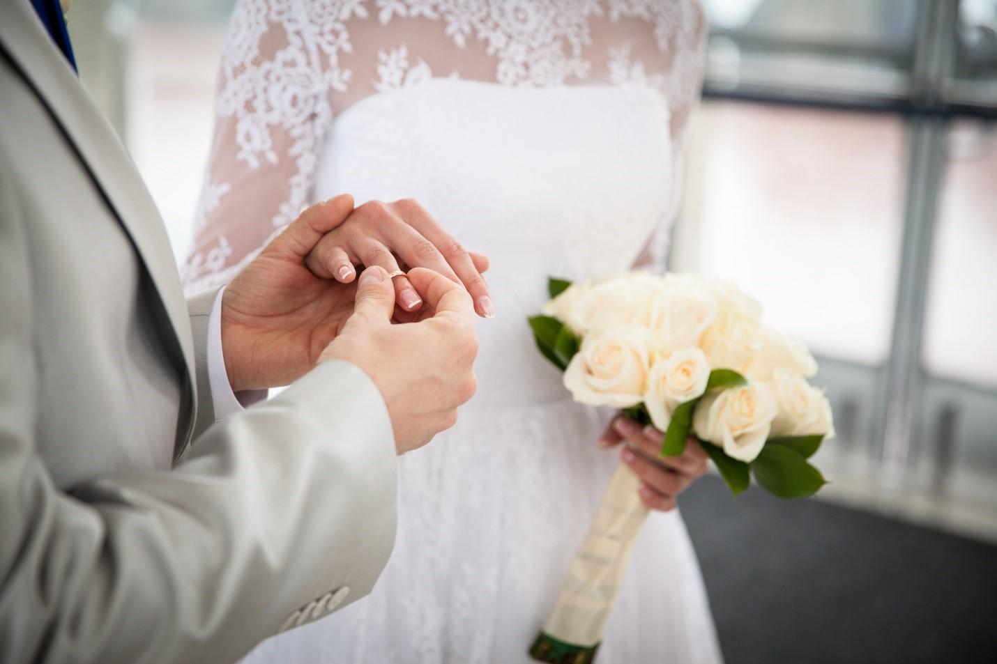 Сколько раз в России можно выйти замуж?