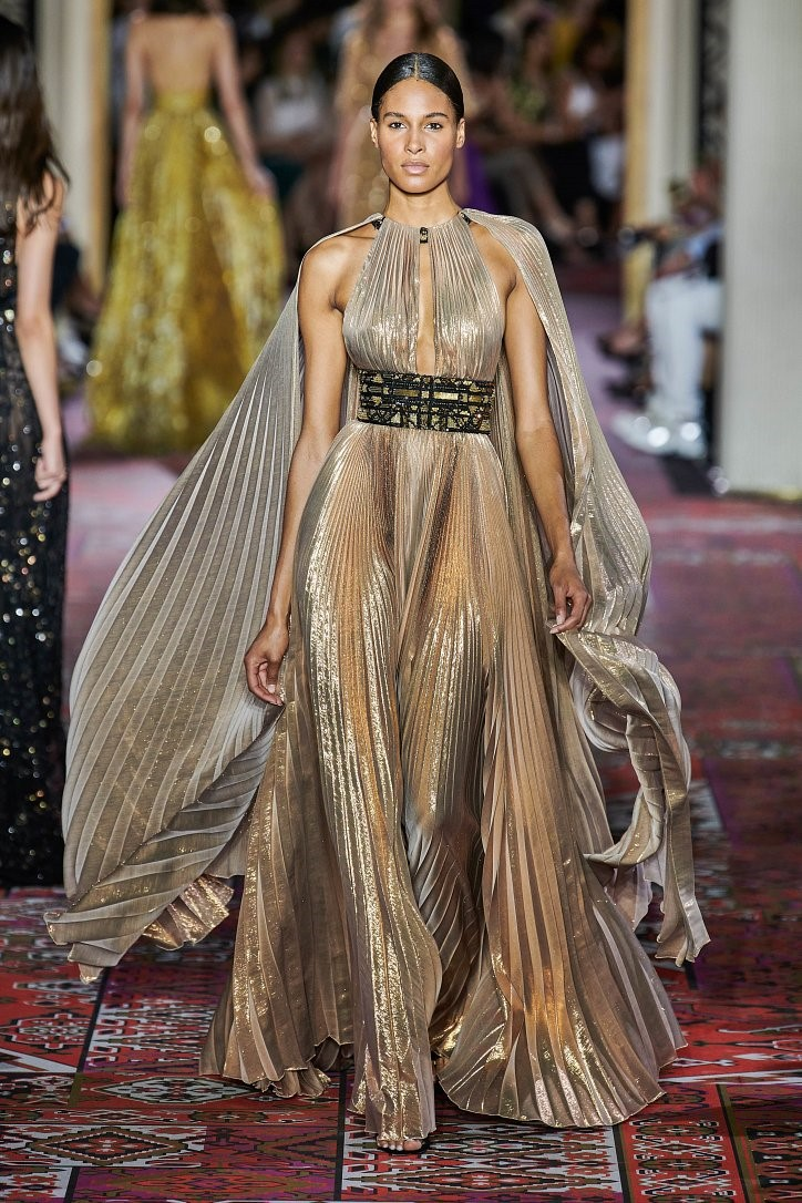 Вечерние платья, модные в 2020 году