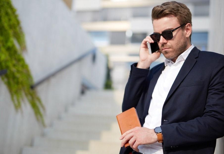 Богатый мужчина: как определить его в толпе