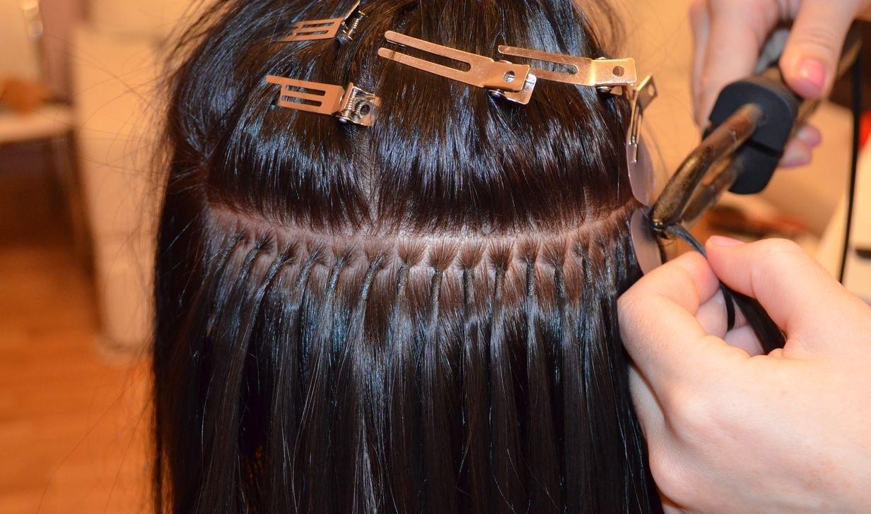 Сколько держатся волосы, наращенные по разным технологиям
