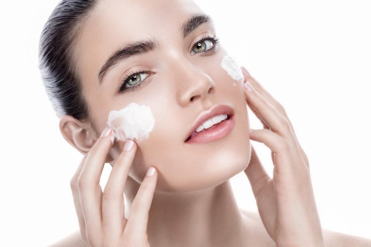 Сухая кожа лица: причины и способы решения проблемы