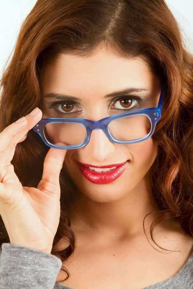 Макияж под очки для близоруких девушек