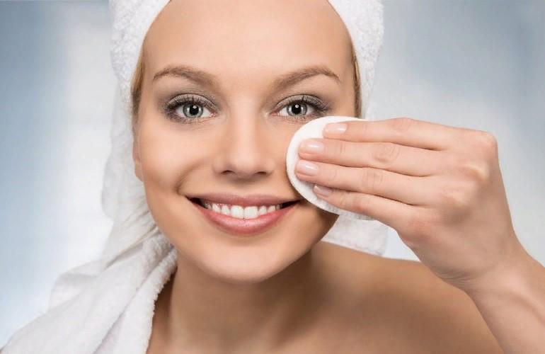 Как быстро снять водостойкий макияж