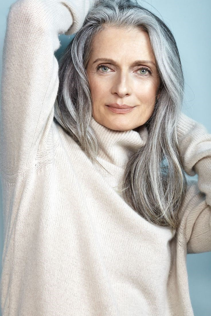 Действительно ли длинные волосы молодят: советы стилистов для дам 50+