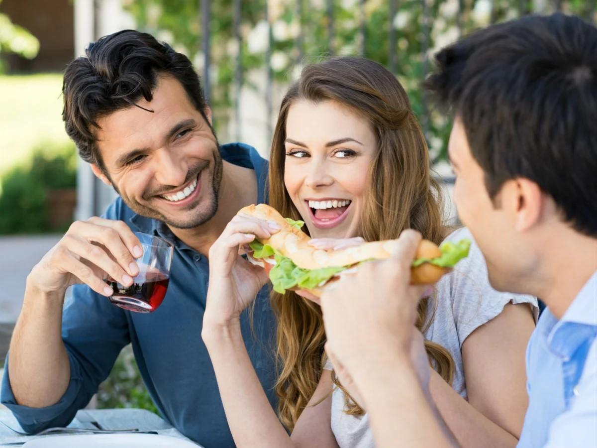 Как понравиться друзьям вашего парня