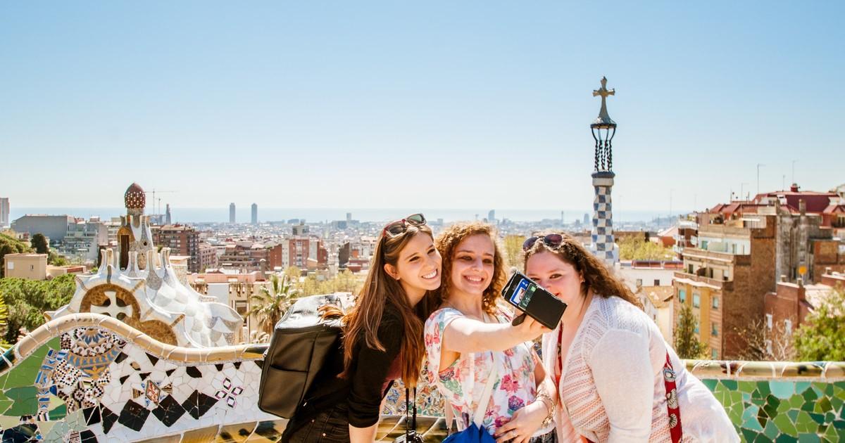 Веселый девичник за границей: в какой город отправиться с подружками