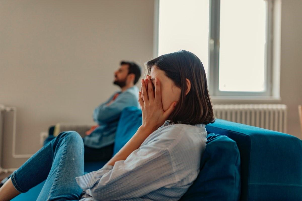 Как разлюбить человека: какие моменты в отношениях громко говорят о расставании