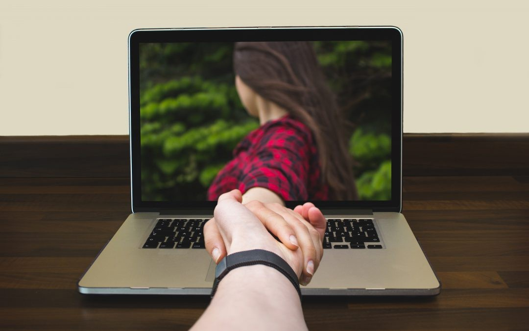 Советы психологов, как сохранить любовь на расстоянии