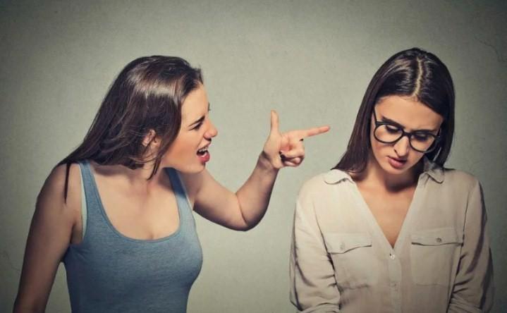 Токсичная дружба и ее признаки: стоит ли продолжать такие отношения