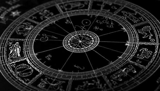 Как ведут себя разные знаки зодиака на сайтах знакомств