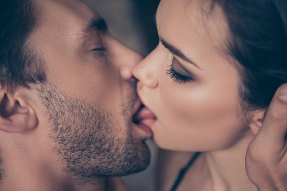 Как эскимосы, на автомате или по-французски: такие разные техники поцелуя